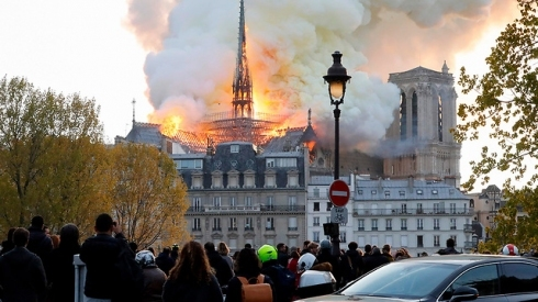 The Notre-Dame is burning. The spire has already collapsed. What a tragedy