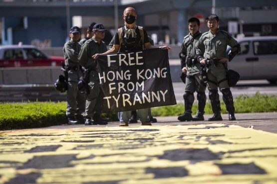 Republican senators said they want to move quickly on legislation to support pro-democracy protesters in Hong Kong despite a threat of retaliation from China.