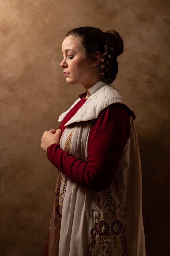 This Leia cosplay took seven months to hand embroider