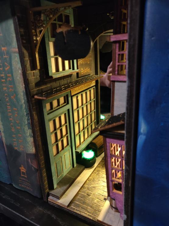 Diagon alley inspired booknook