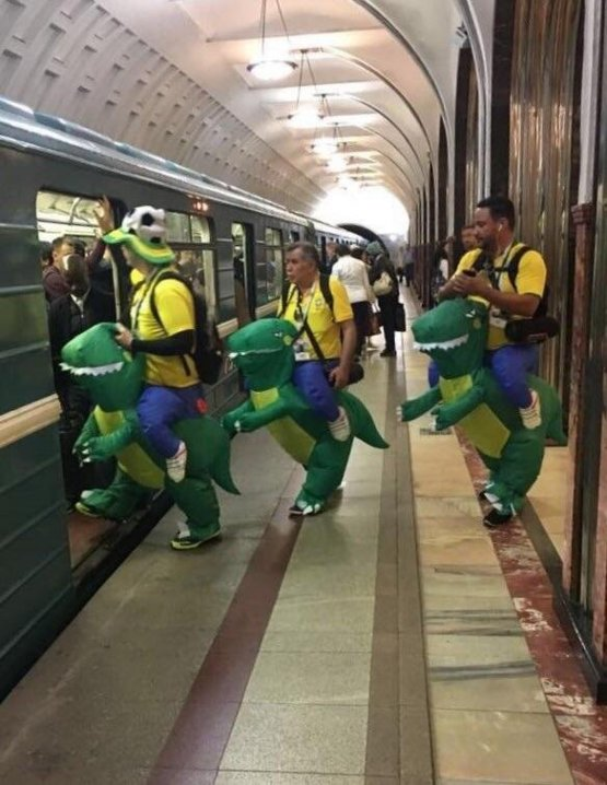 Brazilians in Moscow subway