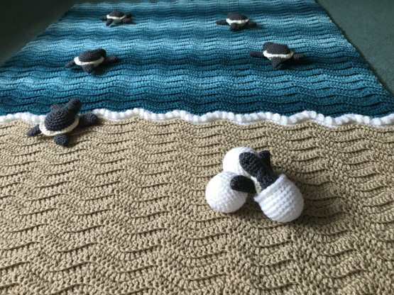 New color way of my turtle Blanket. Requested by a customer.