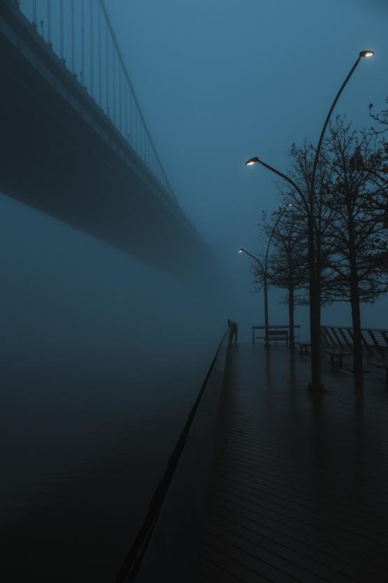 Benjamin Franklin Bridge disappearing into the fog