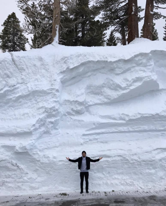 How much snow is there in Mammoth Lakes This much!
