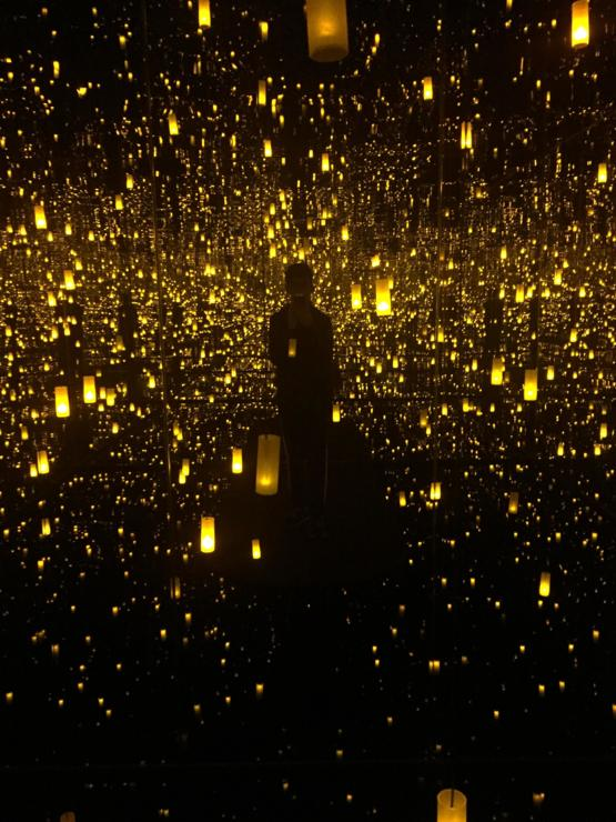 Yayoi Kusama's mirror room at the Bellagio Fine Arts Gallery