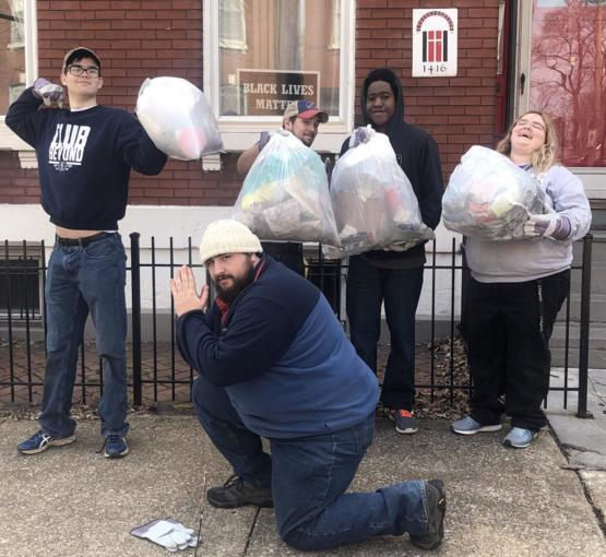 The KU Canterbury house decided to spend our spring break picking up trash on the streets of St. Louis! #Trashtag