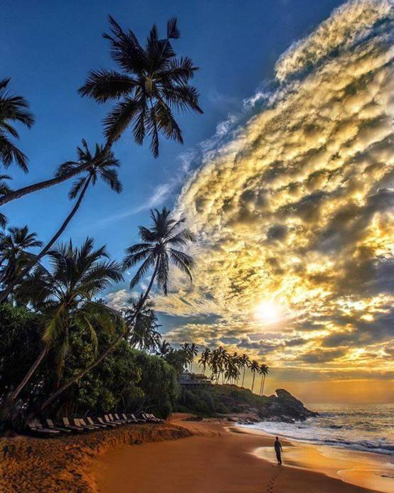 Amazing Sunrise in Tangalle, Sri Lanka
