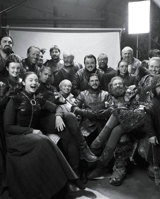 Game Of Thrones cast goodbye picture
