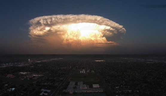 Supercell storm over Texas looks like an alien invasion