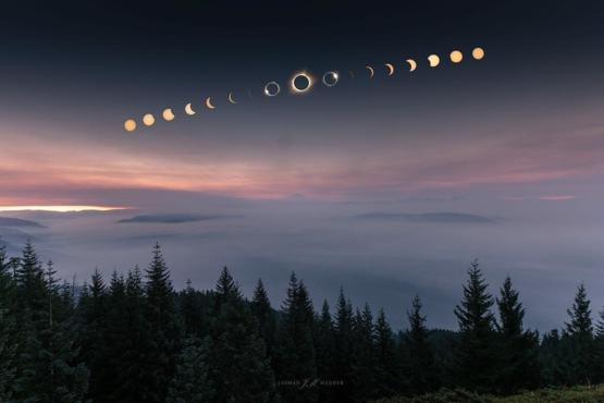 Breathtaking photo of totality by Jasmon Mander in Oregon.
