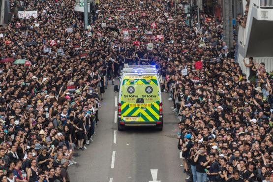 Hong Kong Protestors Giving Way To Ambulance like Crossing The Red Sea