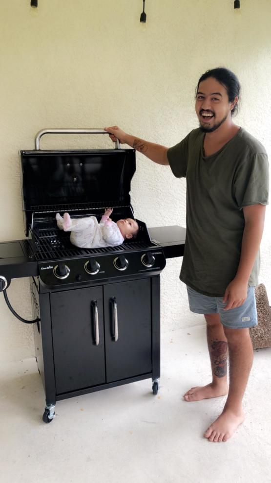 My best friend celebrated his first Father's Day yesterday. His gf bought him a new grill and this is the first photo he took with it