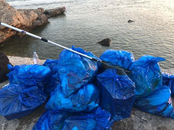 5 hours and over 20 bags later. The Byblos port in Jbeil, Lebanon ???????? is looking a lot better. I dare you to top it.... please :)