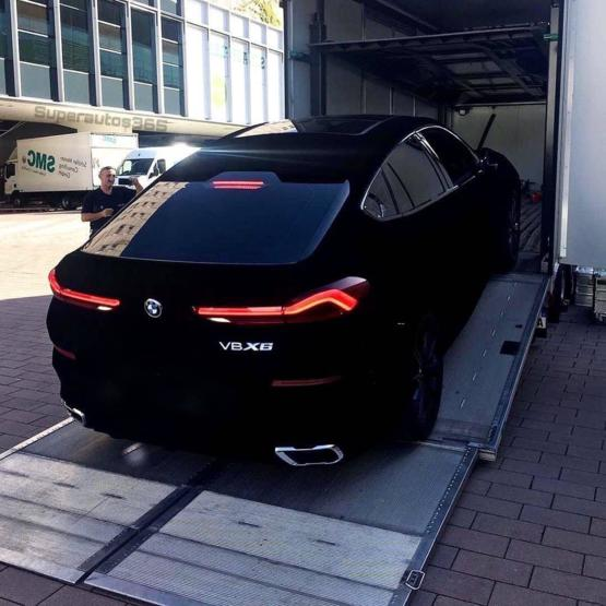 The 3rd generation BMW X6 is the only car painted entirely in Vantablack