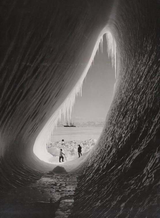 """This crazy image from a 1910 Antarctic expedition """"Scott's expedition"""""""