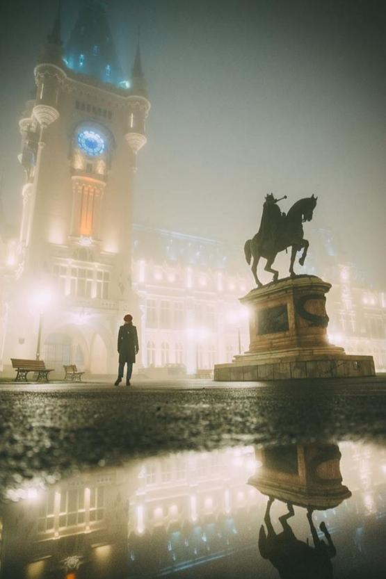 A foggy night at Ia?i,Romania