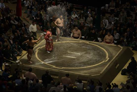 Yesterday I was at a sumo wrestling tournament in Tokyo for the first time