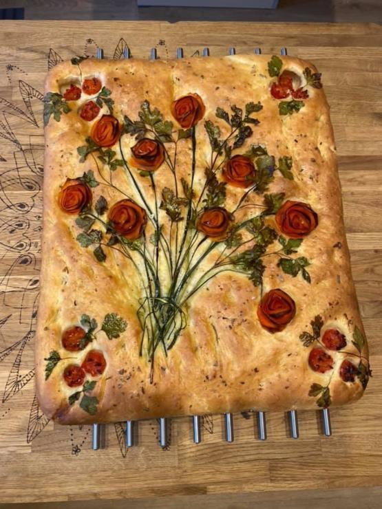Most beautiful bread I've ever seen- baked with parsley and tomato by bread artisan: Vanessa Munroe.