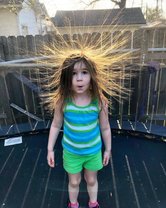 My daughter learning about static electricity thanks to our trampoline
