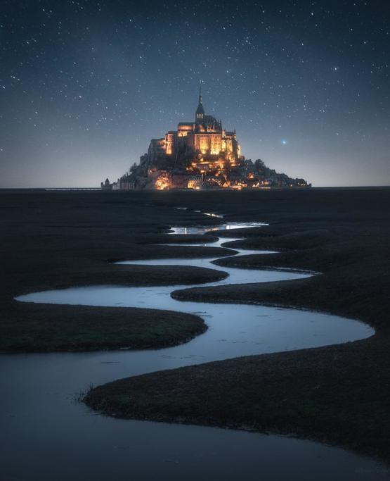 A starry night at Mont Saint Michel ig .eye