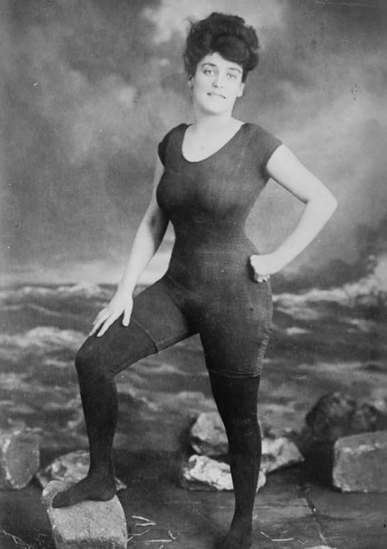 Annette Kellerman promotes women's right to wear a bathing suit, 1907. Was arrested for indecency