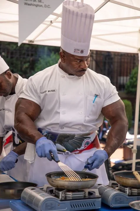This White House chef is an absolute unit