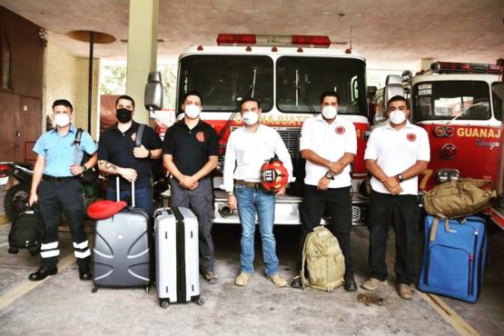 Mexico sent five specialized firefighters to Ashland, Oregon