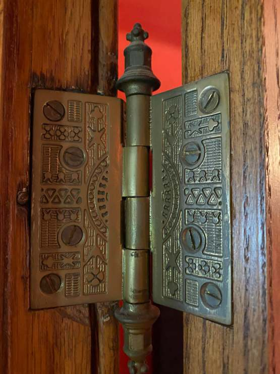 All of the hinges in my Grandmothers house are fully decorated. Each hinge is a different design.