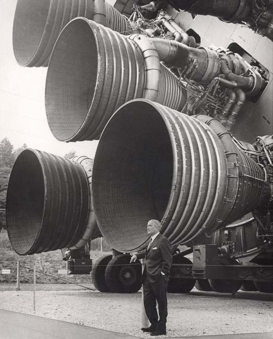 Dr. von Braun standing by five F-1 Engines. This is one of my favourite historical images.