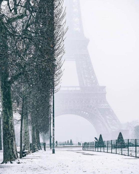 Paris covered in snow