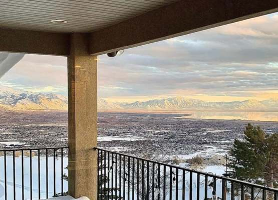 Finally done unpacking and enjoying my BeUTAHful backyard view.....We need more snow. ????????