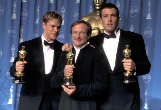 Matt Damon, Robin Williams, and Ben Affleck at the 70th Academy Awards ceremony in 1998