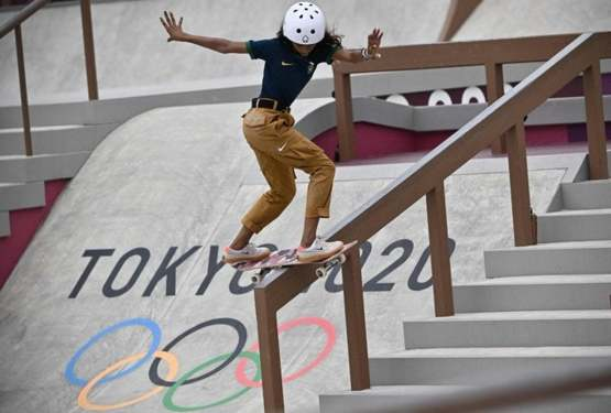 """Rayssa """"Fadinha"""", 13, the youngest Brazilian athlete - and now medalist - in the Olympics' history."""