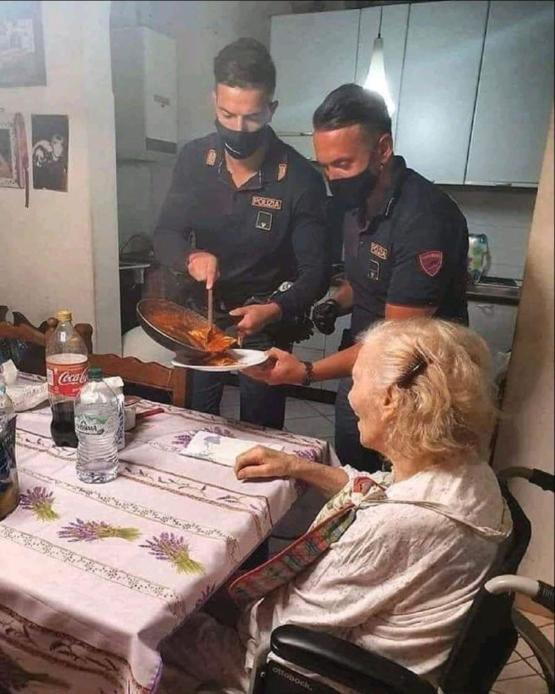 The Italian police made a 87 year old woman pasta after she called to say she was hungry and alone