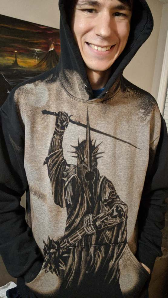 I made another Witch King bleach painting! This time on a hoodie ????