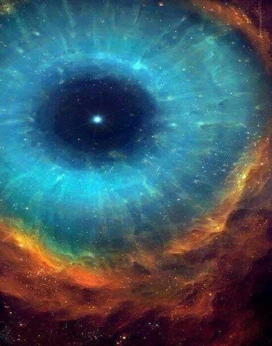 """Retweeted Globe Pics ():  The """"eye"""" of the cosmos"""