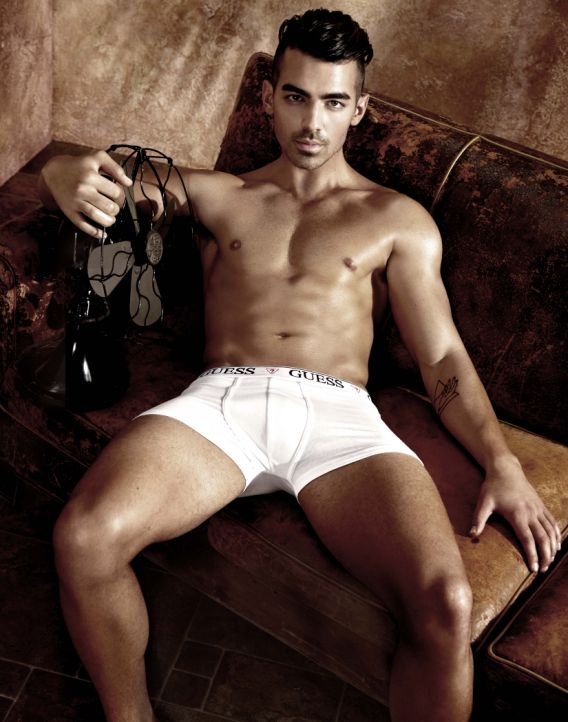 . is too hot too handle in his new Guess underwear campaign!