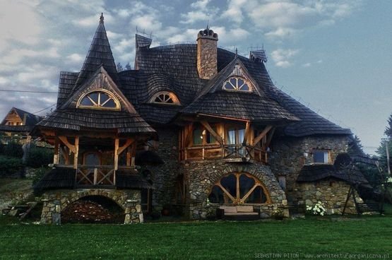 Awesome house in Poland, by Sebastian Piton - Trending on Twitter