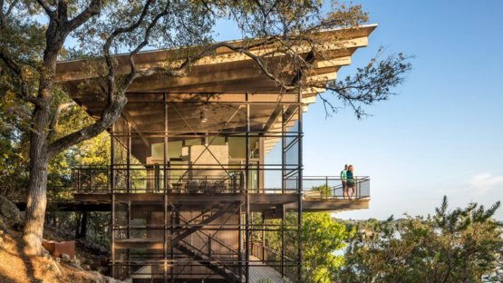 Lake Flato creates vertical waterfront home in rural Texas
