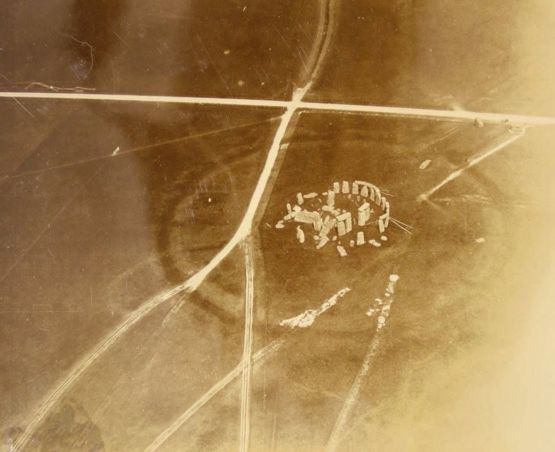 First aerial photograph of Stonehenge, 1906.