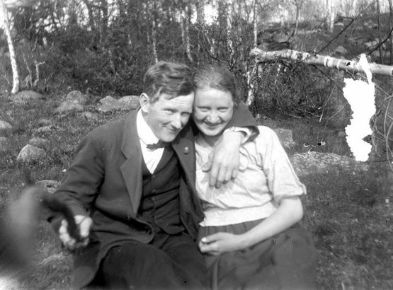 First Known #selfie with a stick, 1934 via  #photography #history #travel