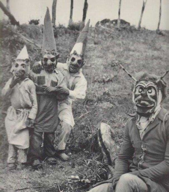 Halloween in the 1900s. Who's ready for this year's halloween