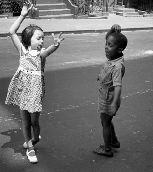 Children dancing at the streets of New York, 1940
