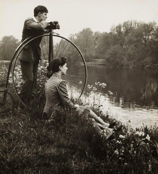 Day on the river, 1941. Photographed by Bill Brandt