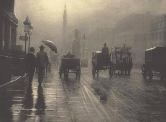 Rainy nights in London, 1899.