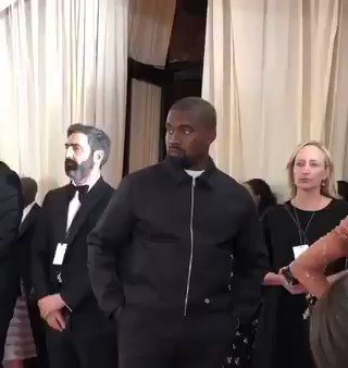 When your mom tells you to smile for the camera ???? #KanyeWest #MetGala #MetGala2019