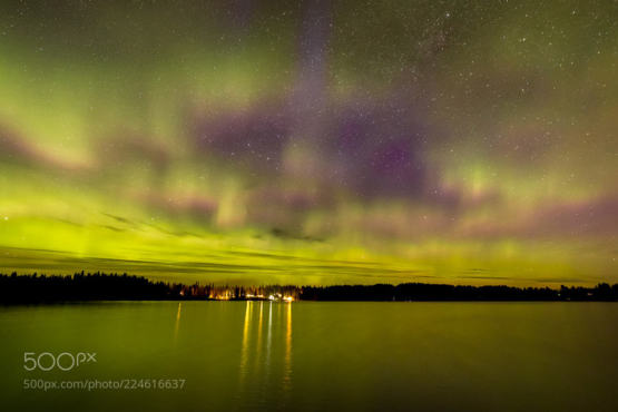 Ness Lake Aurora photography by Robert Downie