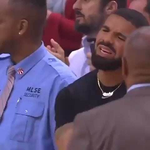 This Drake meme during #Raptors game...
