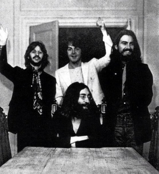Last photo of all four Beatles together ; August 22nd, 1969