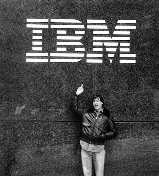 Steve Jobs giving IBM the finger in 1983!